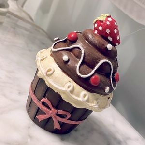 chocolate cupcake jewelry box